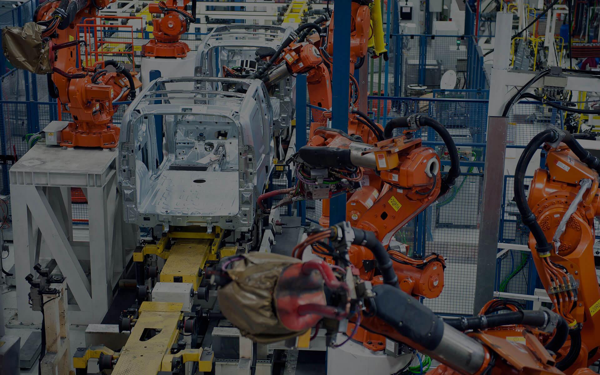 Fertigungsstraße mit Robotern in der Automobilindustrie